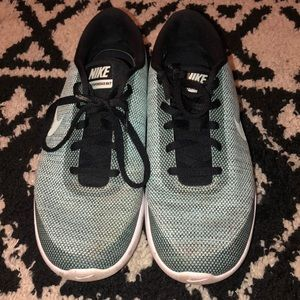 Women's Nike flex shoes